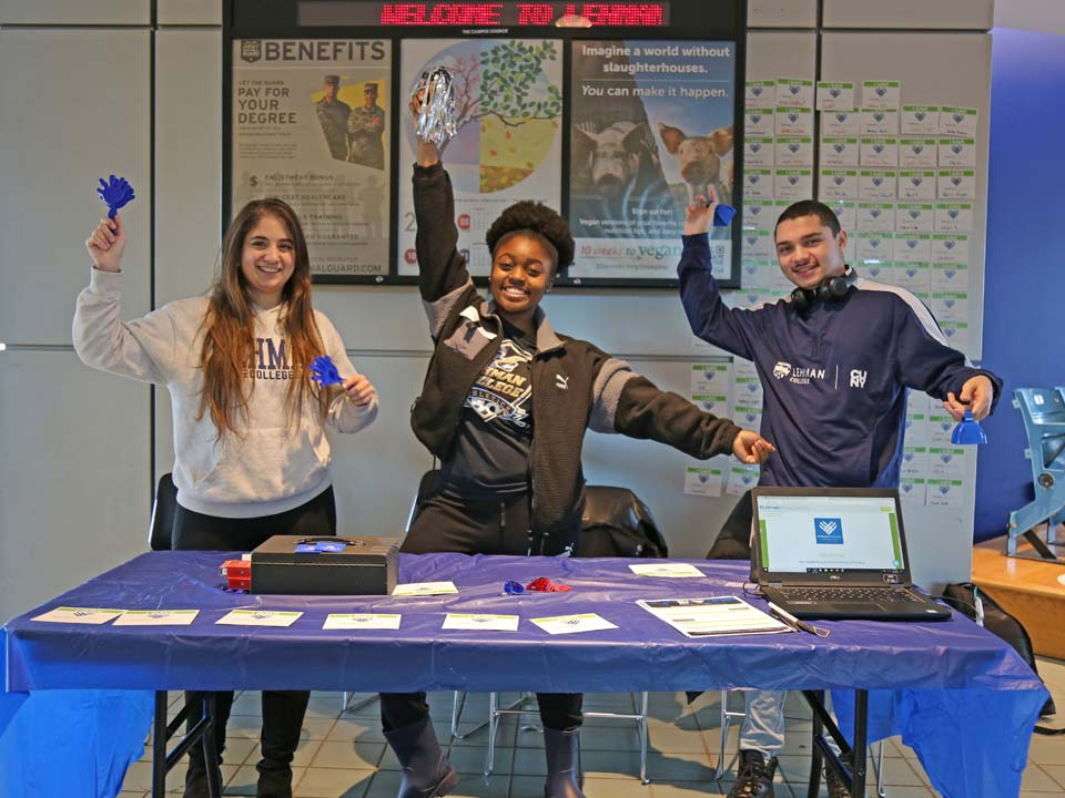 Photo of student volunteers for #LehmanGivingTuesday